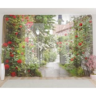 """ФотоТюль широкий """"Улочка с красными розами"""""""